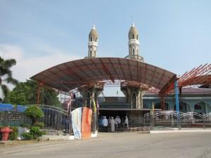 การก่อสร้าง อาคารหลังคา บริเวณ ทางเข้ามัสยิด อัตตั๊กวา  ( คลอง 2 ต้นนุ่น )