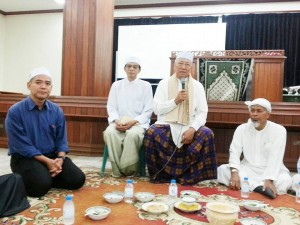 ผู้แทนคณะกรรมการอิสลามประจำกรุงเทพมหานครเยี่ยมเยียนกรรมการและสัปปุรุษมัสยิดคลองตัน